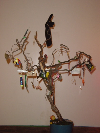 *Suspension of Disbelief*, one of three sculptures exhibited at In a Flash Gallery